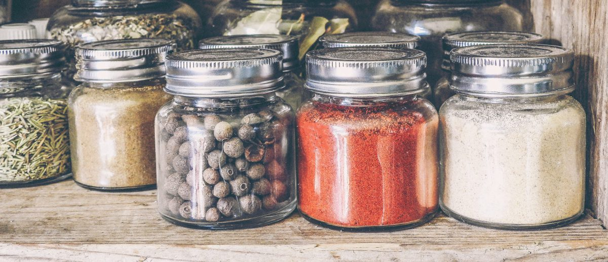 10 Healing Herbs and Spices Every Pantry Should Stock